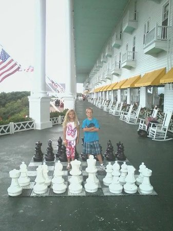 Grand Hotel: Chess Anyone?