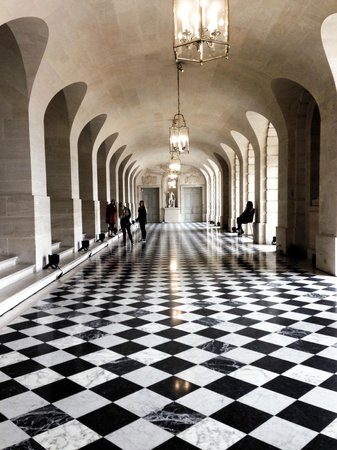 Château de Versailles : This hallway led to the aunts' apartments.