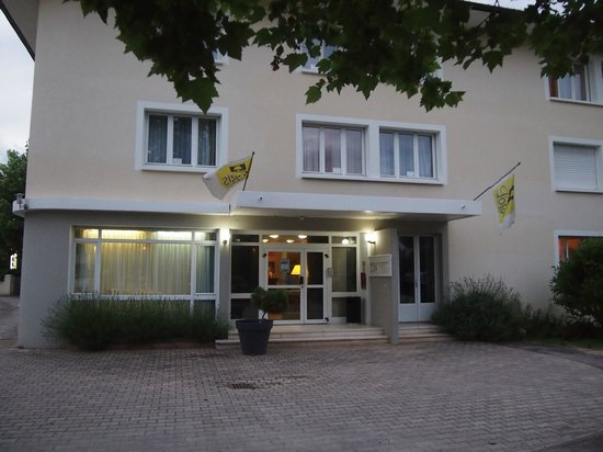 Hotel Restaurant La Chaumiere : hotel