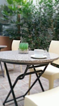 3B Barranco's - Chic and Basic - B&B: Courtyard where you can enjoy breakfast.