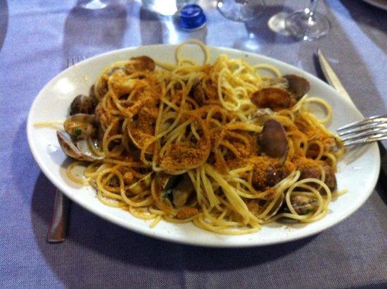Ristorante Del Porticciolo : Spaghetti arselle e bottarga