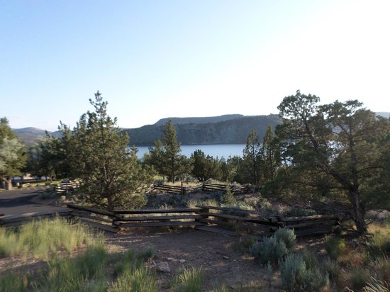 Prineville Reservoir State Park: Juniper Trees and the Lake