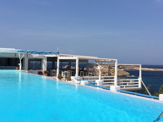 Pool & Veranda Restaurant @ Mykonos Star Apartments
