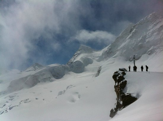 Jungfraujoch : View outside of the train station and platform at the top