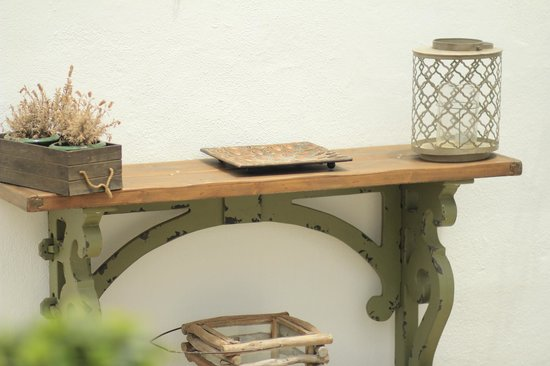 F Charm Hotel: Patio deco shelf