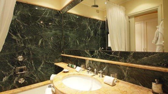 Bathroom at Grand Hotel Tremezzo