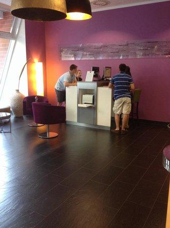 Leonardo Hotel Berlin : Free Internet Terminal