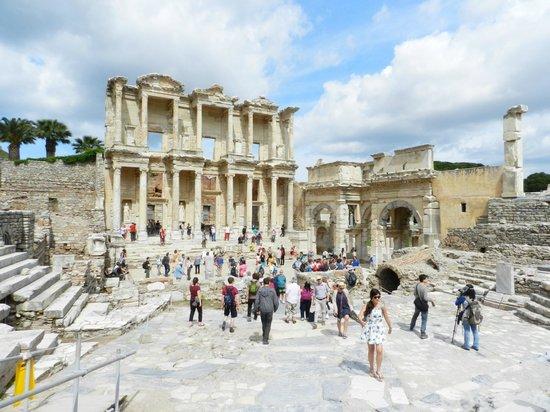 Vieille ville d'Éphèse : Biblioteca di Celso