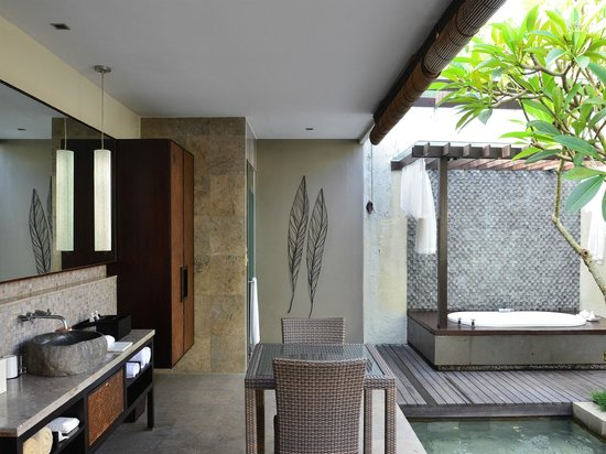 The Amala: Spa villa bathroom