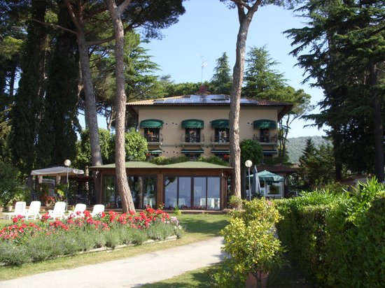 Hotel Kursaal Umbria: Ristorante in veranda panoramica