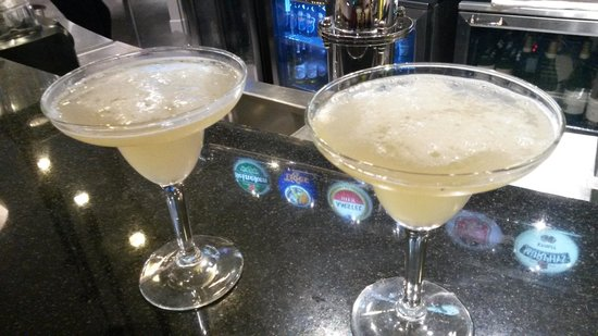 Premier Inn Abu Dhabi Capital Centre Hotel: coctails from hotel bar