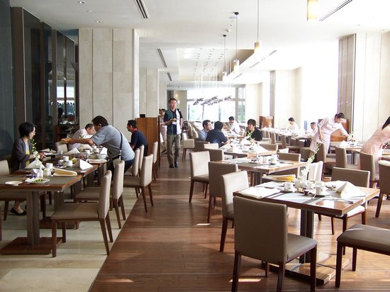 Hotel Nikko Saigon: Breakfast dining area