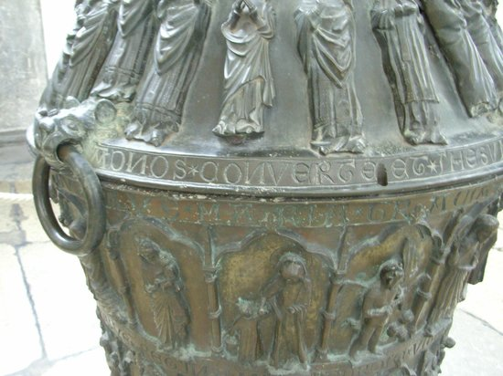 port of Rostock: Detail of the font