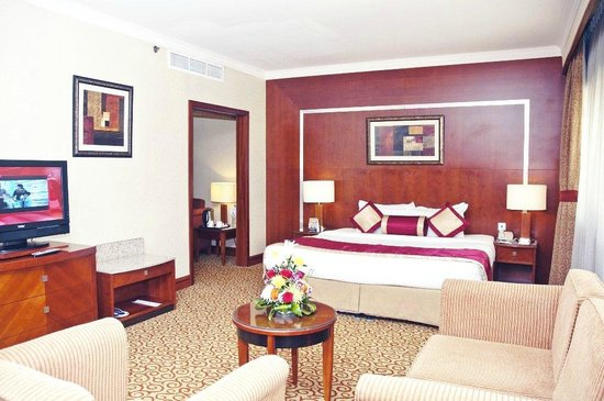 Ramee Royal Hotel: Suite Bedroom