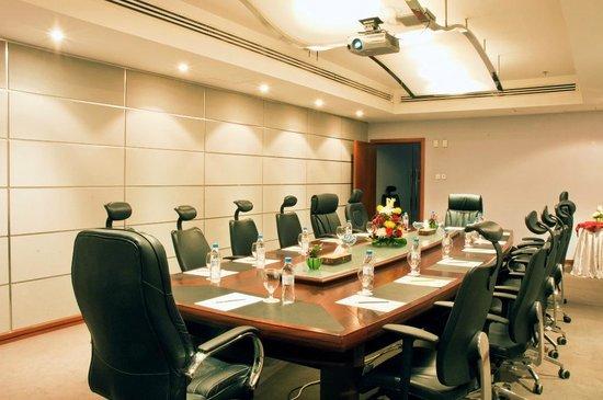Ramee Royal Hotel : Meeting Room