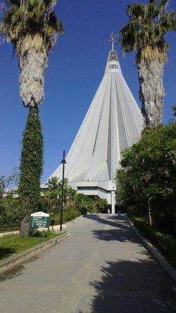 Santuario Madonna delle Lacrime: Il Santuario