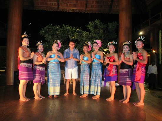 Santhiya Koh Phangan Resort & Spa: Night show