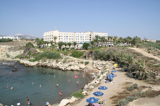 Queen's Bay Hotel: View from the beach