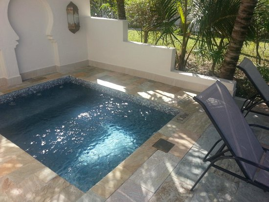 Baraza Resort & Spa: The Plunge Pool