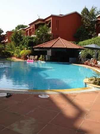 The Baga Marina: Swimming Pool with the Aqua Bar
