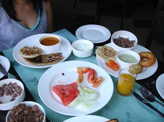 The Baga Marina: Delicious Breakfast at Cafe Baga