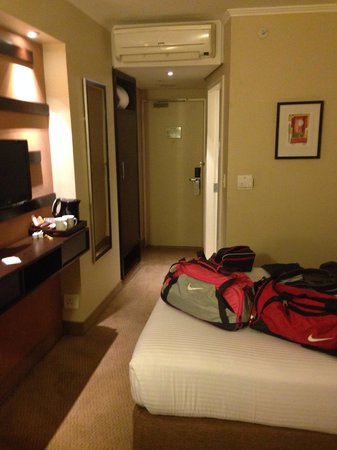 StayEasy Emalahleni: Our room