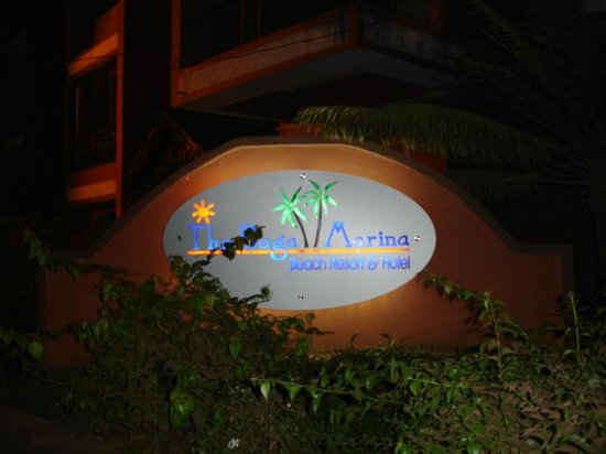 The Baga Marina: Entrance of the hotel