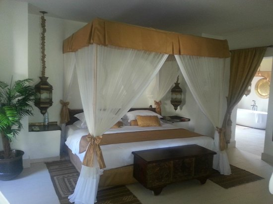 Baraza Resort & Spa: The Bed