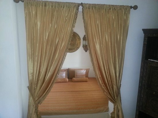 Baraza Resort & Spa: Our day bed