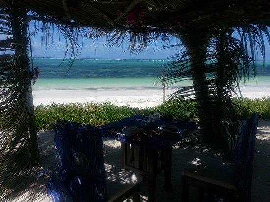 Baraza Resort & Spa: Our little beach structure where we had more romantic beach lunches