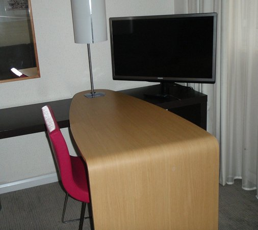 Novotel Coventry: Large Flat Screen Television