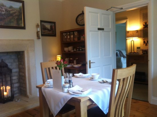 Old Station House B&B: Gorgeous breakfast room