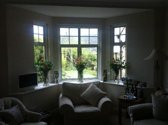 Old Station House B&B: Inviting guest lounge room with complimentary liquers and chocolates