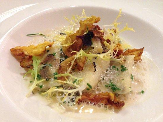 Restaurant Alcron: Potato truffle gnocchi with chives emulsion
