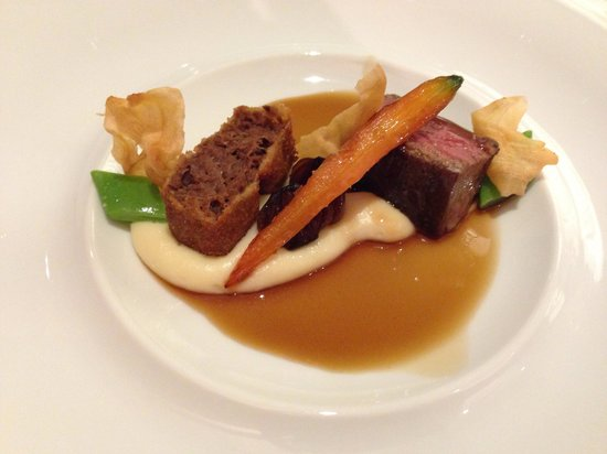 Restaurant Alcron: US-prime Beef flank and shoulder with miso glaze and jasmine tea smoked potato puree