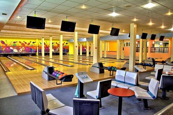 Hotel Duo: Bowling