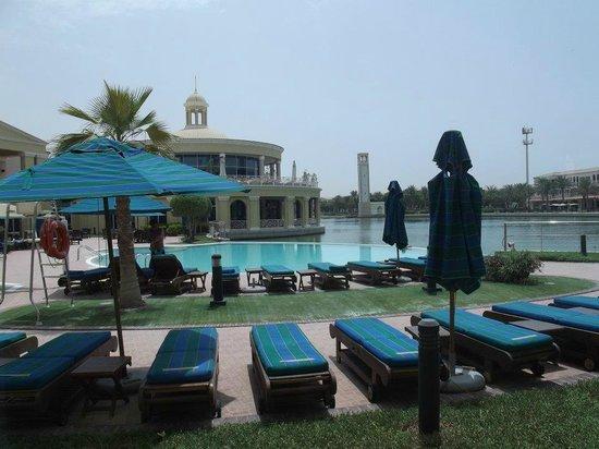 Courtyard Dubai, Green Community : swimming pool