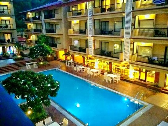 Deltin Suites: Pool area view from room