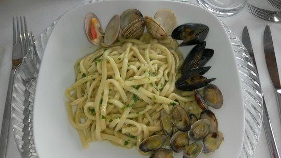 Conte Di Savoia: Scialatielli ai frutti di mare (buonissimo)