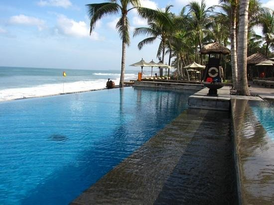 The Legian Bali: new pool