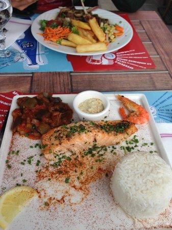 La Vieille Auberge: Salmon
