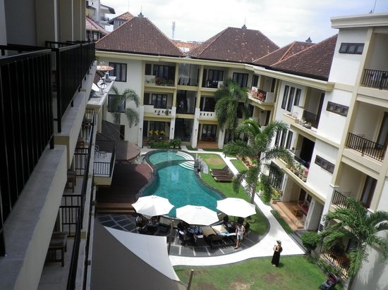 Kuta Townhouse Apartments : Plunge Pool