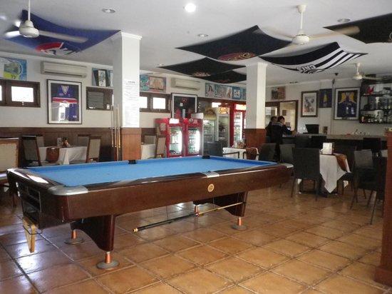 Kuta Townhouse Apartments : Sports Bar