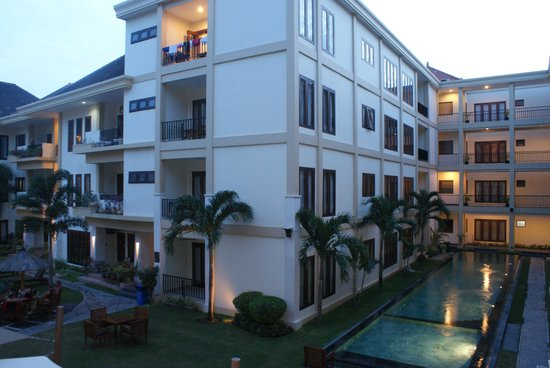 Kuta Townhouse Apartments : Apartments