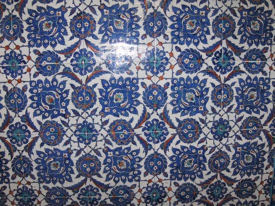 Mezquita de Rüstem Paşa: Rüstem Pasha, mosaici