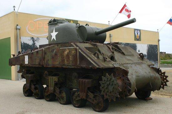 Normandy Tank Museum : esterno