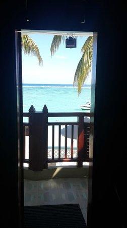 Gold Beach Resort: Chambre donnant sur la mer