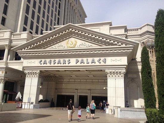 Caesars Palace: Цезарь