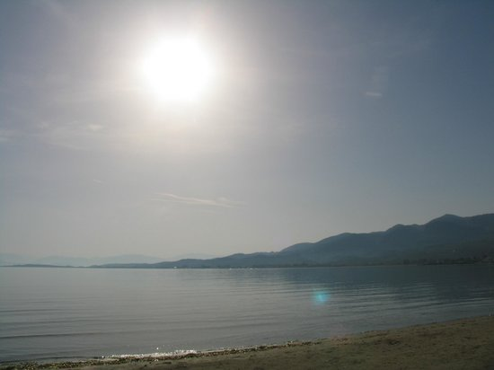 Roda Beach Resort & Spa: Береговая линия