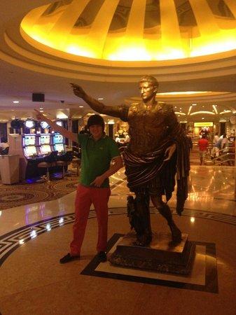 Caesars Palace: Я и Цезарь